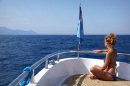 barco para navegar por las rias
